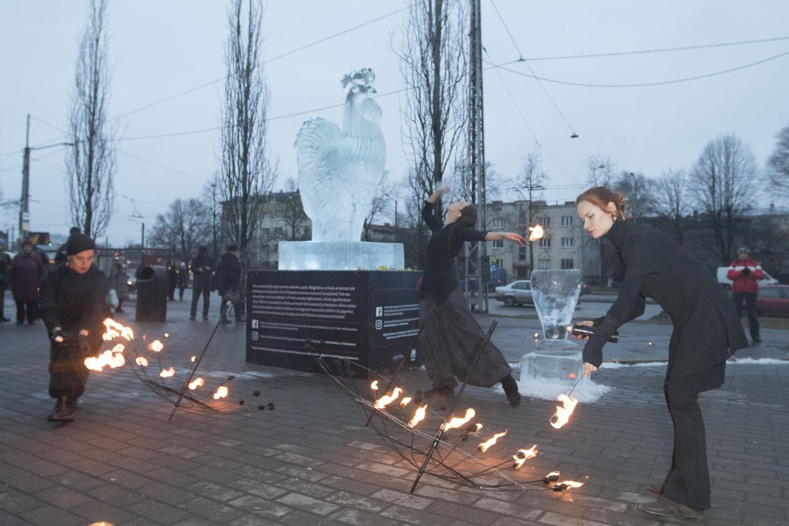 271670b7623 FOTOD! Tallinnas avati heategevusliku eesmärgiga jääskulptuur - Kõik
