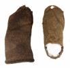 Erineva tegumoega sokid. Pildil on kaks erineva tegumoega sokki, mille kuju vihjab, et need võivad pärineda erineva jalatsimoega perioodidest. Sellised sokileiud on Eestis esmakordsed.jpg