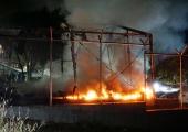 Kreeka põgenikelaagris süüdati telgid