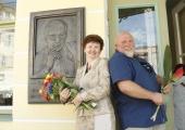 FOTOD! Õpetajate maja seinal avati armastatud Eino Baskini bareljeef