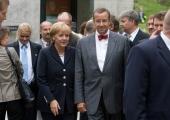KUUS LUGU: Millega on Merkel ämbrisse astunud?