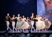 Estonia teatrilaadal läheb müüki kaksteist kärutäit uhkeid kostüüme