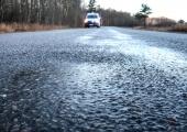 Kindlustusfirma hoiatab hommikuti libedaks muutuvate teede eest