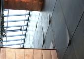 Tallinna Linnavolikogu aatriumis tutvustatakse Tallinna Peatänava ideekonkursile esitatud töid.