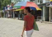 Vesine suvi on kummikute ja vihmavarjude turu õitsema pannud
