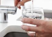 KÜSITLUS: Pealinna söögikohad pakuvad kraanivett enamasti tasuta
