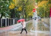 FOTOD: Vesivärava tänav sai uue laia kergliiklustee