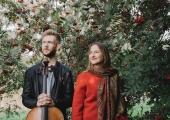 Mustpeade majas musitseerivad Theodor Sink ja Kadri-Ann Sumera