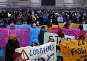 """Pariisis protestivad aktivistid """"mineviku energiaallikate"""" vastu"""
