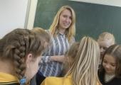 TALLINNA KOOLIDESSE 88 UUT TUGISPETSIALISTI: Vanemate töö pärast muretsev laps koolis hästi ei õpi