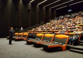 "Mustamäel tehti täna ajalugu – startis projekt ""Kino 65+"""