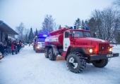 Päästjad aitasid põlema süttinud sotsiaalmajast välja 29 inimest