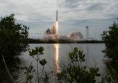 Space-X toimetas orbiidile kolm satelliiti