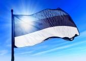 Eesti on vabariigi 100. aastapäeva puhul ehitud sinimustvalgete lippudega