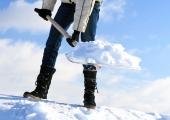 LUGEJA KÜSIB: Kas katuselt lund rookides peab alati kasutama turvavarustust?