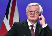 """Davis tervitas """"olulist sammu"""" Brexiti leppe suunas"""