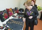 FOTOD! Haabersti Sotsiaalkeskuses avati kevadine käsitöönäitus