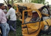 Indias hukkus rongi ja koolibussi kokkupõrkes 13 õpilast