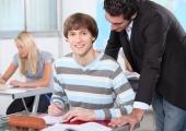 Kohustuslik lasteaiaharidus  tooks mehed õpetajaks?