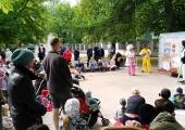 Lapsed nautisid Falgi pargis suveteatrit, etendusi jagub terveks suveks!