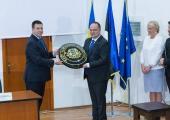 Ratas avas Constanțas Eesti aukonsulaadi