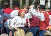 GALERII! Nõmme IV laulu- ja tantsupäev tegi kingituse Eesti Vabariigile
