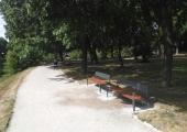 Poolamäe park sai uue mööbli
