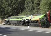 Poolas paiskus kummuli Ukraina buss, kolm inimest sai surma