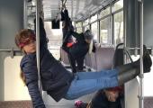 FOTOD! Koit tantsukooli lapsed said end proovile panna showingutega linnaruumis