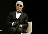 Suri maailmatuntud saksa moedisainer Karl Lagerfeld