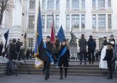 FOTOD: Koolinoored meenutasid Vabadussõjas hukkunud õpilasi ja õpetajaid