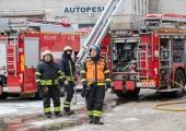 Pärnus lahvatanud tööstushoonepõlengus sai inimene viga