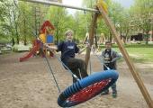 Uued turnimispuudega mänguväljakud ahvatlevad liikuma terveid peresid