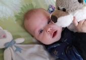 Viiekuune beebi vajab annetusi hingamisaparaadi soetamiseks