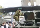 VAATA PILTE: Teletorn tähistas Eesti iseseisvuse taastamise päeva Uku Suviste kontserdiga