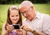 Vanavanematepäev: Neli nutinippi, mis teevad vanaisa elu kergemaks