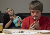 PSÜHHOLOOG: Kanep võib kujuneda varjatud tagaukseks kangemate narkootikumideni