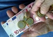 Lugeja küsib: Töötan poole kohaga ja minu palk on 400 eurot kuus. Kuulsin, et uuel aastal tõuseb töötasu alammäär. Kas minu töötasu peab ka tõusma?