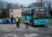 Kohtla-Järvel lasti relvaga kahe liinibussi akendesse