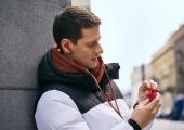 Muusikaterapeut: armastuslaulud võivad soodustada armumist või edukalt ravida hingevalu