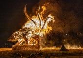 FOTOD! Põhja-Tallinn tähistas Metallroti aasta saabumist tuleskulptuuri põletamise ja kuuselõkke süütamisega