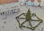 FOTOD JA VIDEO! Sõlelabürint Raekoja platsil sai avatud