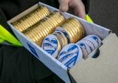 GALERII! Mustamäel jagati sõbrapäeva puhul šokolaadi