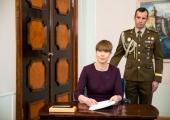 President andis uued auastmed 208-le ohvitserile