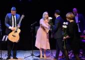 Kristiines tähistati Eesti Vabariigi aastapäeva Luisa Värgi ja Alen Veziko tasuta kontserdiga