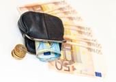 Uuring: veerandil eestimaalastel jagub sääste vaid üheks kuuks
