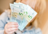 Lugeja küsib: kas pean tööandjale 150 eurot tagasi andma, et saada Töötukassa hüvitist?