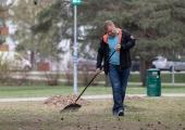 Mustamäe tähistab lehekuu lõppu koristustalgutega Männi pargis
