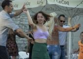 GALERII! Harju tänava uisuplatsil tantsiti salsat