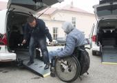 Riik toetab omastehooldajate ja erivajadustega inimeste abistamist viie miljoni euroga